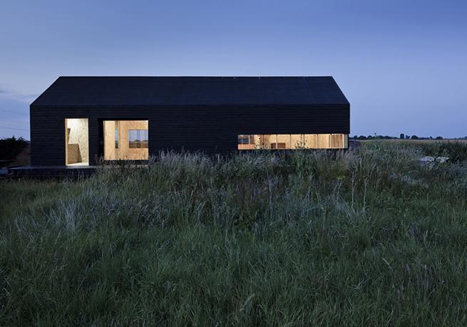 Schwarze Fassade stealth barn holz ist genial holz ist genial